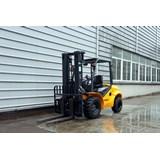 UN Forklift FD35T-C2JB2